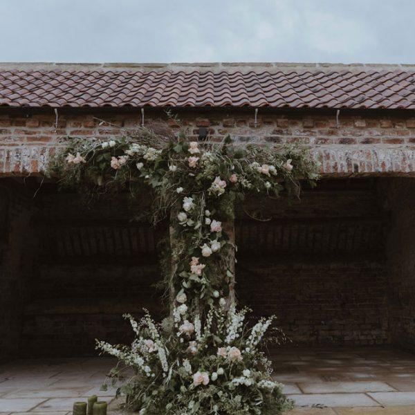 Thirsk-Lodge-Barns_Courtyard-Georgina-Harrison-Photography