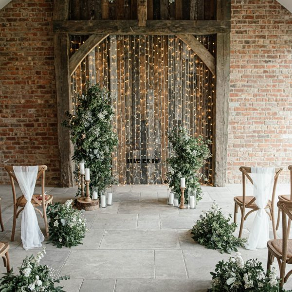 Thirsk-Lodge-Barns-Wedding2-2021 Photography by Nicole Wilcox