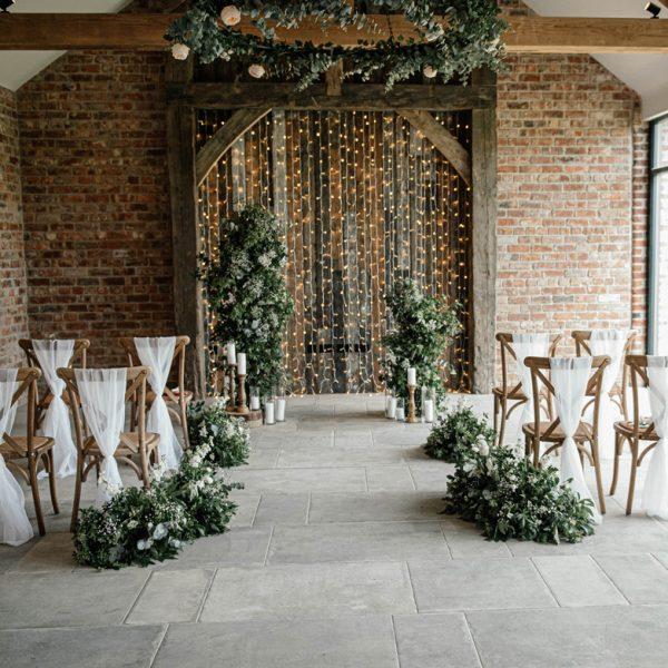 Thirsk-Lodge-Barns-Weddings-2021 Photography by Nicole Wilcox